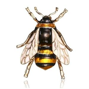 Jewelry - {5/$25} Vintage style bee brooch